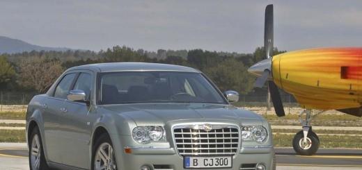 Chrysler_300C_13