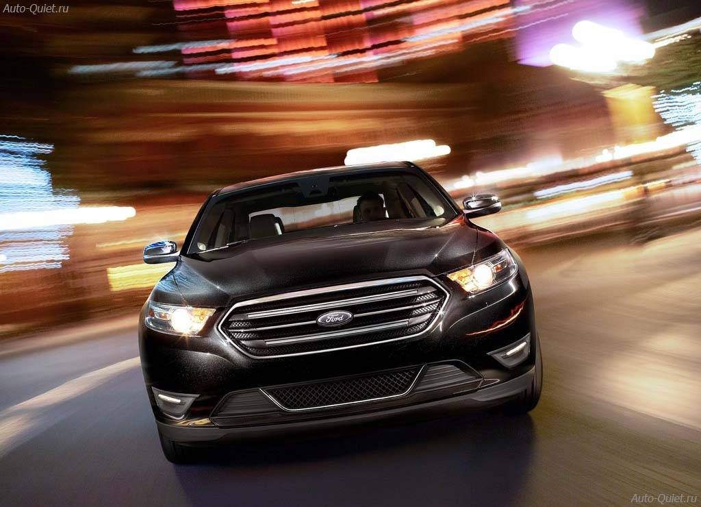 Ford_Taurus_2013_11