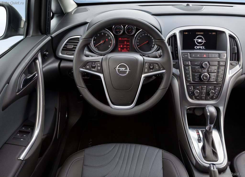 Opel_Astra_Sedan_2013_10