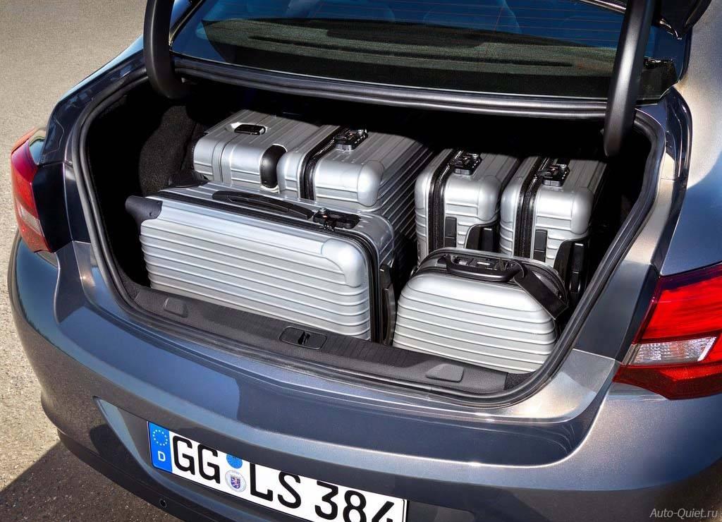 Opel_Astra_Sedan_2013_12