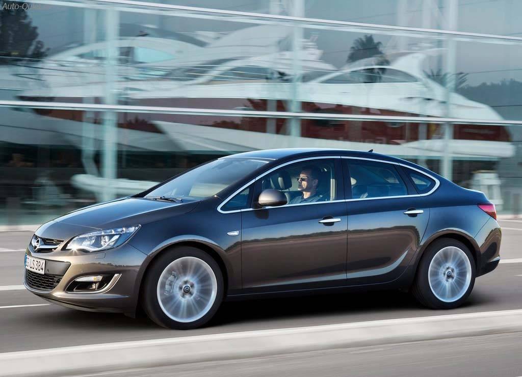 Opel_Astra_Sedan_2013_2