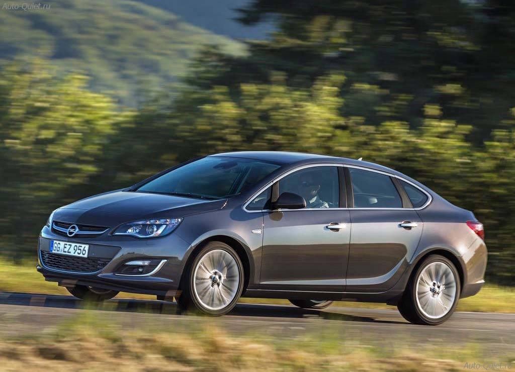 Opel_Astra_Sedan_2013_3