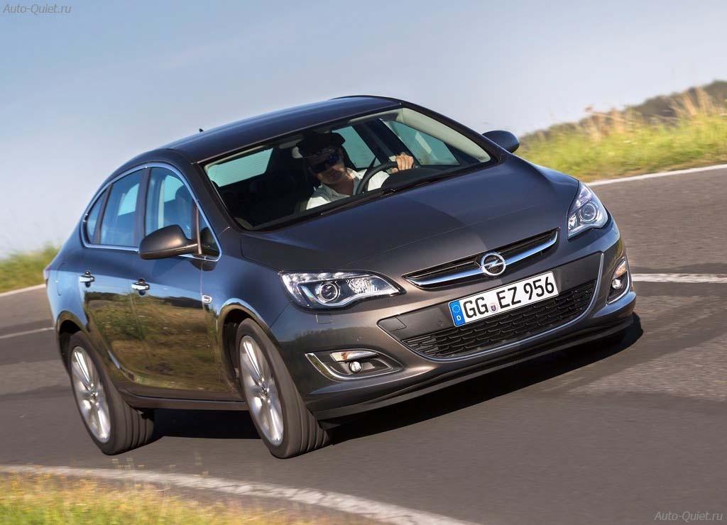 Opel_Astra_Sedan_2013_4