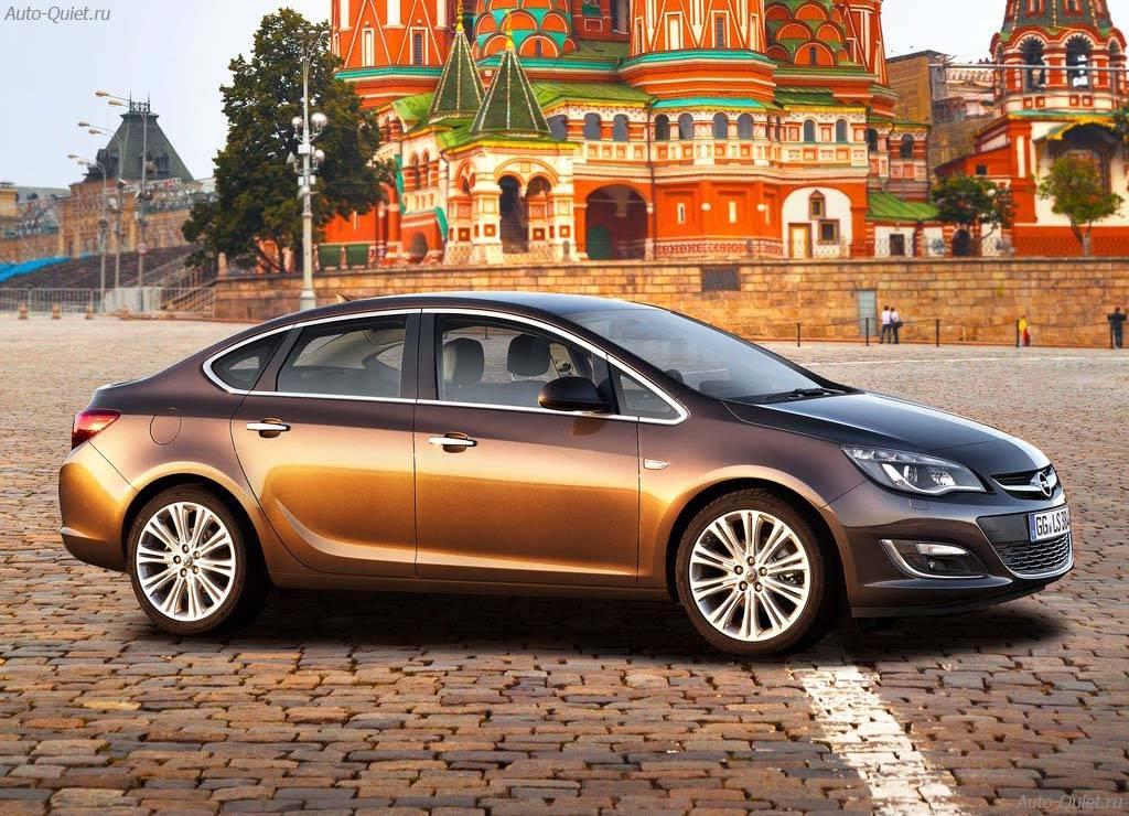 Opel_Astra_Sedan_2013_5