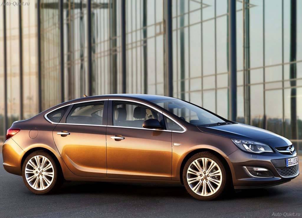 Opel_Astra_Sedan_2013_6