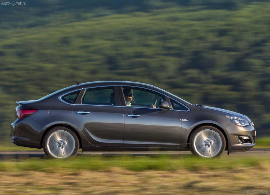 Opel_Astra_Sedan_2013_7