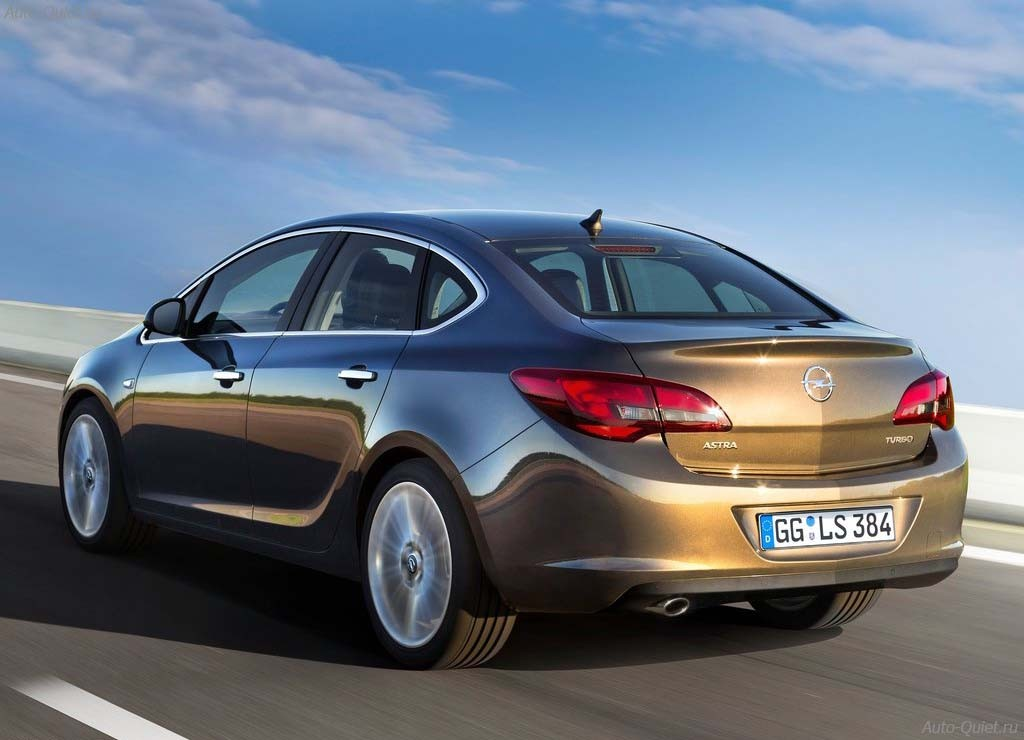 Opel_Astra_Sedan_2013_8